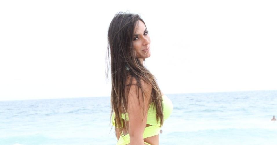 11.ago.2013 - Nicole Bahls posa para fotos durante gravação de quadro para o programa 'Pânico' no Rio de Janeiro