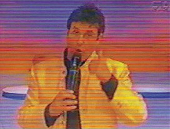 """Durante a apresentação do """"Festa do Mallandro"""", na TV Gazeta; programa fazia sucesso com pegadinhas, que muitas vezes causavam polêmica por seu teor violento ou pela suspeita de serem farsas"""