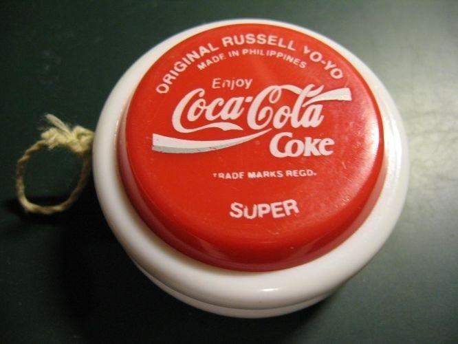 Io-iô Coca-Cola: O fenômeno estourou no início da década de 80. Para ter um, era preciso trocar 5 tampinhas do refrigerante e pagar 350 cruzeiros na época
