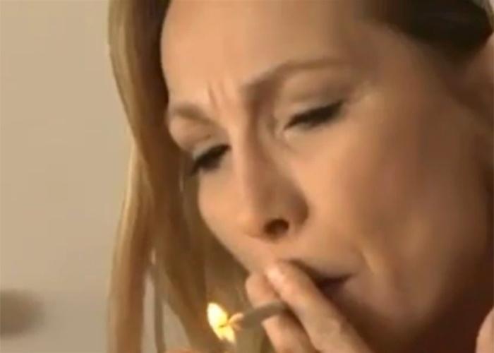 Terça-feira (29.out.2013) - Na Califórnia, a maconha medicinal já é legalizada, mas parte da campanha para aumentar a disponibilidade da droga, ampliar seu uso medicinal e finalmente legalizá-la está sendo feita por um setor inesperado da sociedade. As mulheres do Clube da Maconha de Beverly Hills se descrevem como