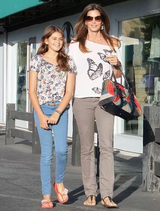 26.jun.2012 - Kaia mostra que é tão bela quanto a mãe Cindy Crawford, 47. A jovem de 12 anos é filha da modelo com o empresário Rande Gerbe