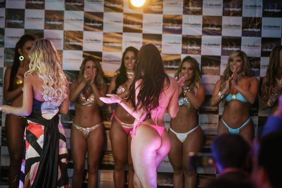 13.nov.2013 - Miss Bumbum Pará, Jéssica Amaral foi eleita a Miss Simpatia pelas colegas de disputa. A morena também conquistou a 3ª posição no concurso e levou o prêmio de R$ 2 mil