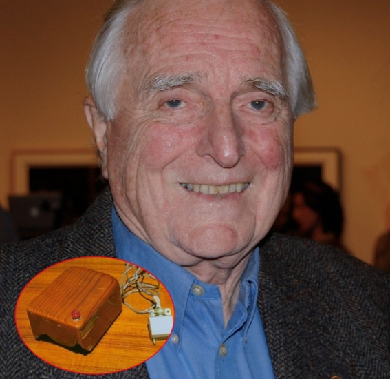 2.jul.2013 - O cientista norte-americano Douglas Engelbart morreu aos 88 anos em sua casa na Califórnia, Estados Unidos, de insuficiência renal. Autor de uma série de projetos, Engelbart ficou famoso por ser o inventor do mouse.