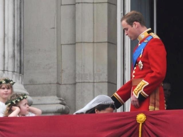 O que é isso, princesa? Até a menininha do lado esquerdo da imagem parece surpresa