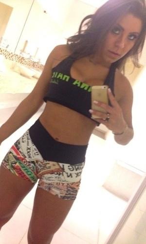 5.fev.2014 - Além de postar uma foto ao lado de Thammy Miranda na academia, Andressa Ferreira também agraciou seus seguidores do Instagram com uma fotografia de corpo inteiro, esbanjando boa forma