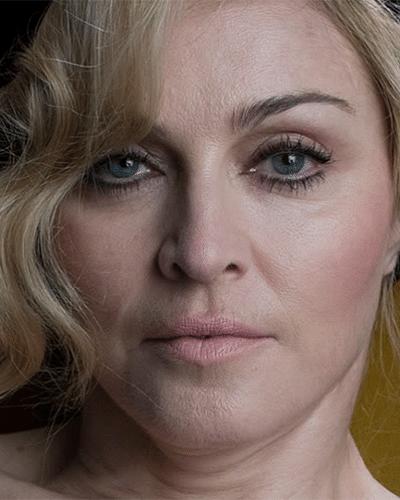 25.fev.2014 - Madonna aparece em imagens sem aquela ajudinha do Photoshop. As fotos foram feitas pelo fotógrafo Steven Klein, há cerca de quatro anos, e, de acordo com a revista Quem, foi o próprio Klein quem liberou as fotos sem retoques. Os registros são originais, feitos em 2010, quando a cantora estava com 51 anos. As imagens foram usadas em uma campanha da marca Dolce & Gabanna. Antes, algumas fotos sem Photoshop da cantora como garota-propaganda da Louis Vuitton, em 2009, já haviam caído na web