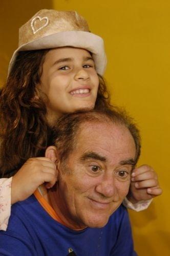 2006 - Renato Aragão com a filha e atriz Lívia Andrade nos estúdios da TV Globo