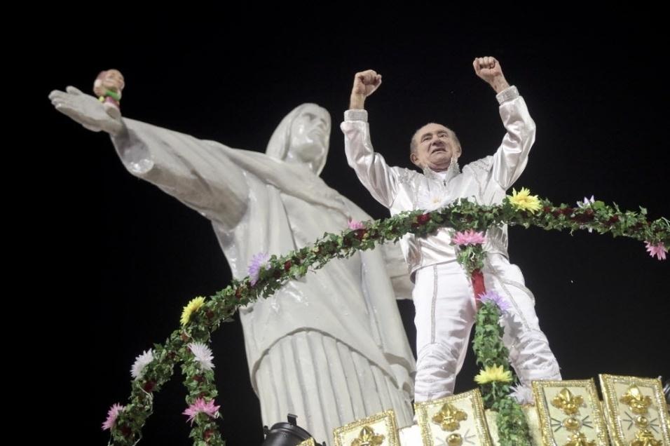 """2011 -  O humorista foi homenageado pela escola de samba X-9 Paulistana com o enredo """"De eterna criança a embaixador da Esperança... Renato Aragão, Didi Trapalhão!"""", durante o carnaval paulista."""