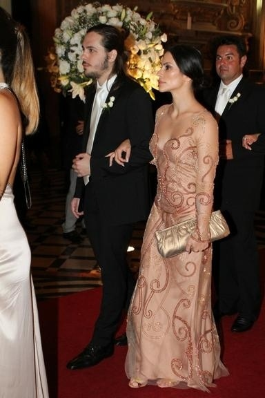 4.abr.2014 - Cléo Pires também compareceu no casamento de Maíz de Oliveira