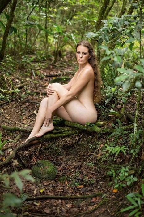 14.abr.14 - Estrela da 2ª capa da Playboy em abril, a ativista Ana Paula Maciel, 32, ficou dois meses presa na Rússia, acusada de vandalismo e pirataria no Mar Ártico.