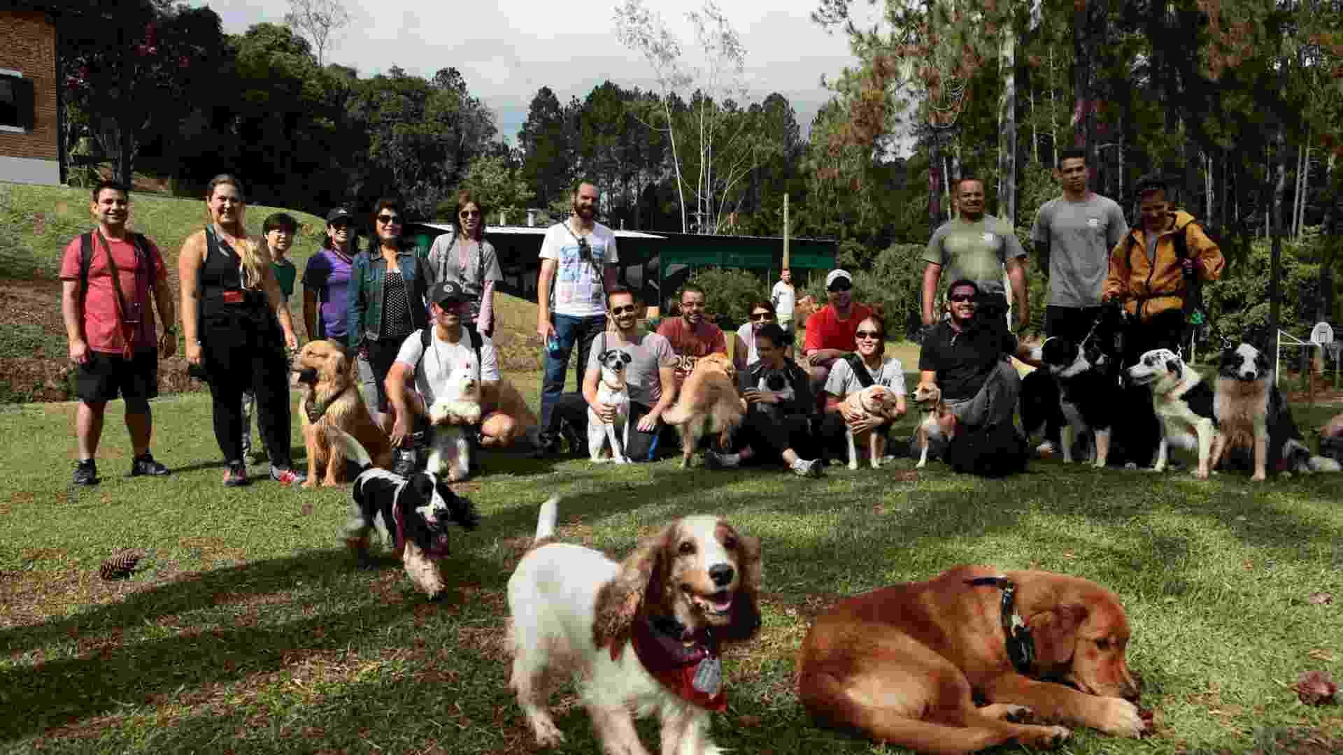Trilha com cães - Monalisa Lins/BOL