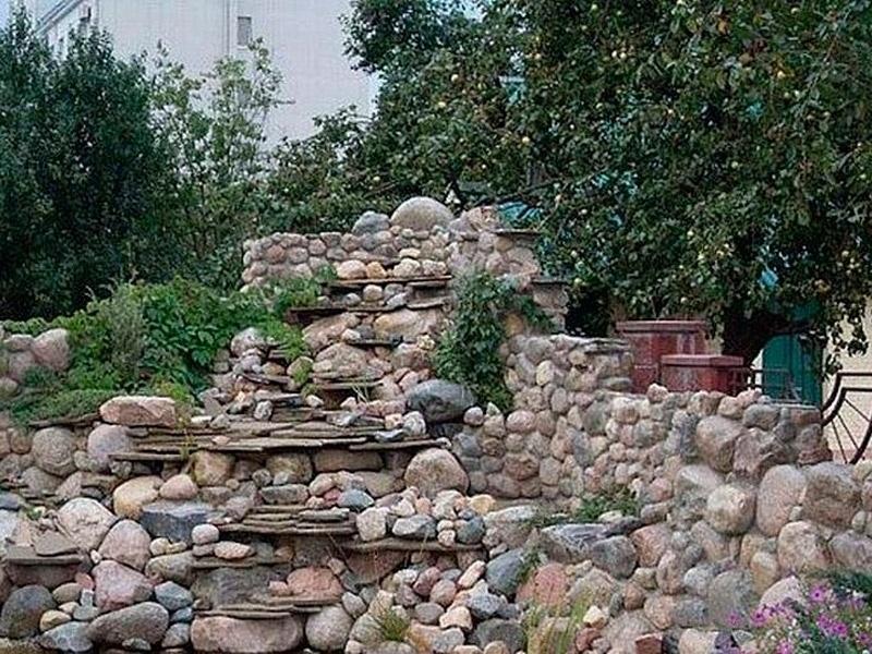 10.jun.2014 - No topo das pedras há um gatinho! Achou? Bem ao lado da pedra mais alta