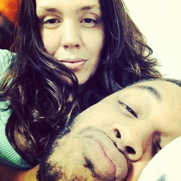 """1.jul.2014 - No dia em que completa 38 anos, Simony fez uma declaração para o marido no Instagram: """"Vida Minha"""", escreveu na legenda da foto"""