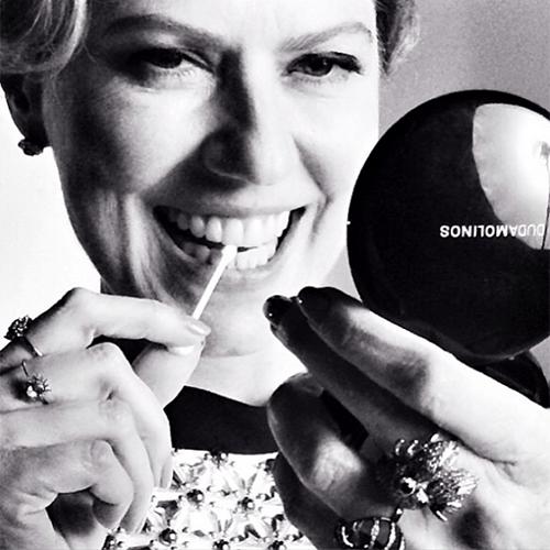 21.jul.2014 - A atriz Patricia Pillar, 50, aparece em fotos postadas pelo maquiador Duda Molinos