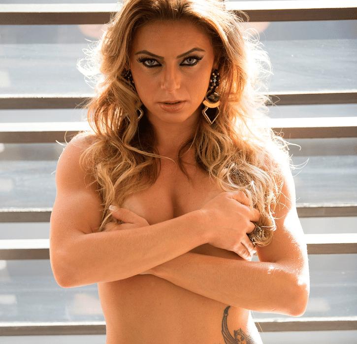 28.jul.2014 - A Miss Bumbum Portugal Marianne Ranieri será capa de uma edição especial da revista Sexy, em julho de 2014. Participante do Miss Bumbum em 2013, a gata ficou conhecida em Portugal depois de ser presa por participar de um ensaio nu em locais públicos. Relembre o caso.