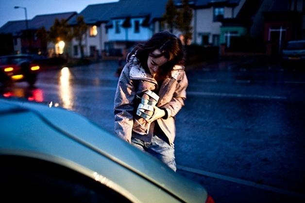 5.ago.2014 - Pensando em registrar o desconforto e angústia da bulimia, a fotógrafa Laia Abril criou o projeto A Bad Day (Um Dia Ruim), que registra o cotidiano de Jo, uma jovem de 21 anos que sofre com o transtorno alimentar.