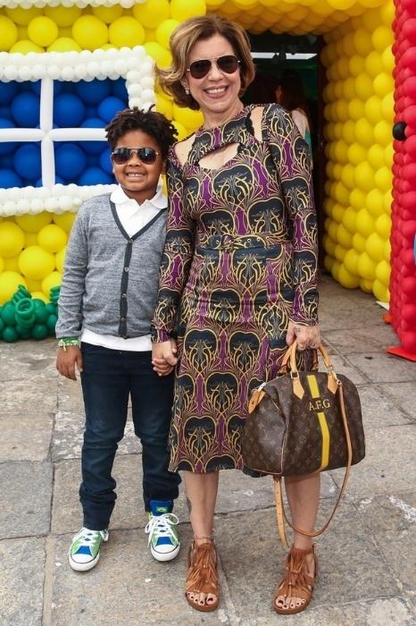 10.ago.2014 - Astrid Fontenelle com o filho Gabriel na festa de aniversário de Arthur, filho de Eliana e João Marcelo Bôscoli