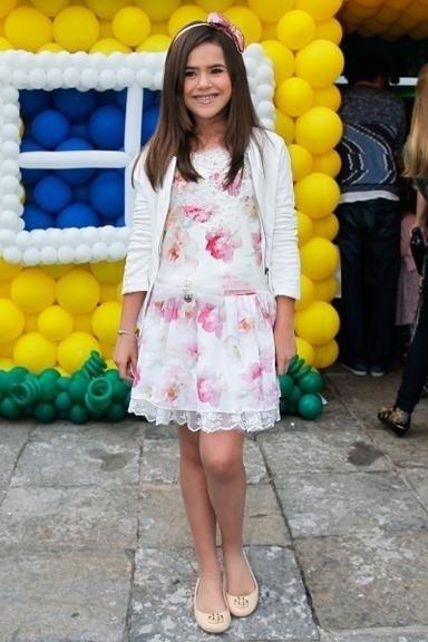 10.ago.2014 - Maísa Silva marca presença no aniversário de 3 anos de Arthur, filho de Eliana e João Marcelo Bôscoli
