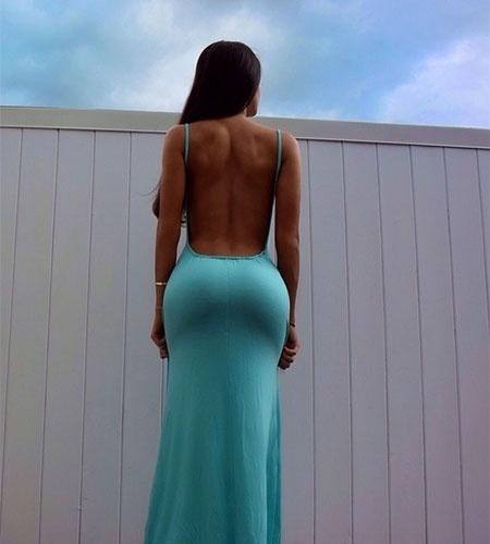 20.ago.2014 - Jen Selter, norte-americana famosa no Instagram por postar fotos de seu bumbum avantajado, atacou novamente ao postar uma imagem de suas curvas invejáveis em um vestido colado ao corpo