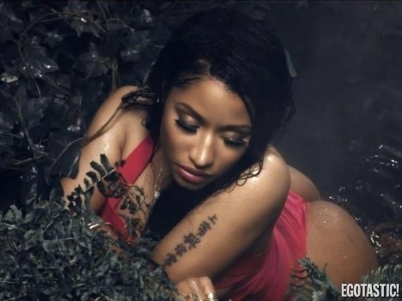 """20.ago.2014 - A cantora norte-americana Nicki Minaj exibiu curvas generosas em cenas do clipe de """"Anaconda"""". O vídeo foi lançado na terça-feira (19)."""