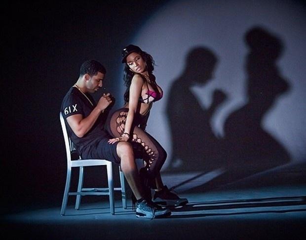 """20.ago.2014 - Nicki Minaj atuou com o cantor canadense e ex-namorado Drake no clipe de """"Anaconda""""."""