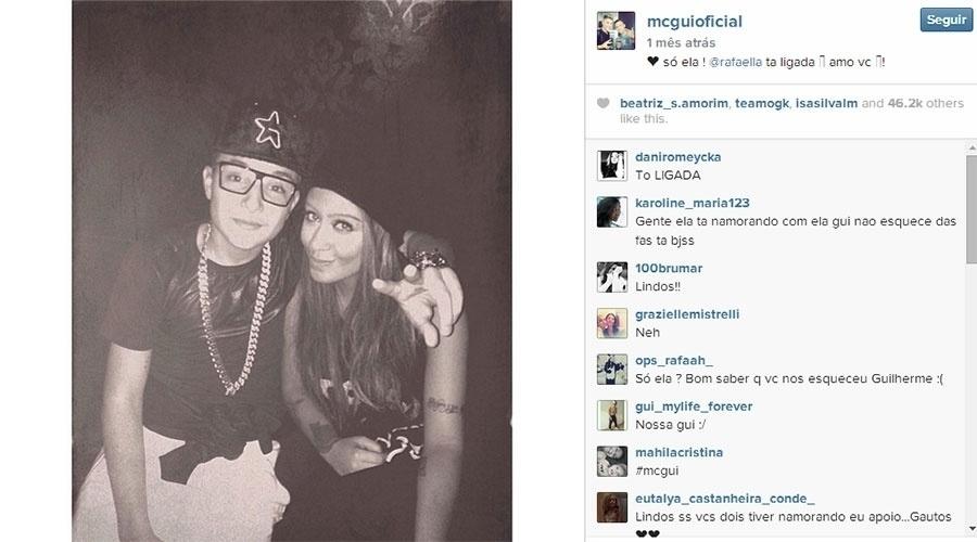 29.ago.2014 - De acordo com o jornal Extra, a irmã de Neymar, Rafaella Santos, está namorando o MC Gui. No final do mês passado, quando Neymar ainda estava no Brasil, antes de voltar para Barcelona, o funkeiro foi a uma festa na casa do jogador e publicou fotos em que aparece ao lado de Rafaella