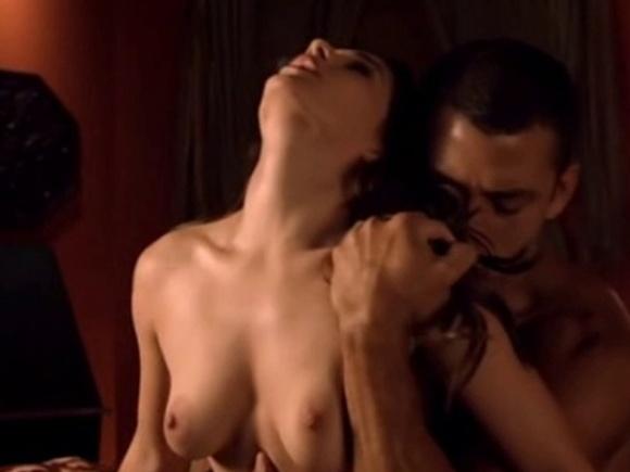 """6.set.2014 - A atriz Christina DeRosa participa de uma cena quente do seriado americano """"Zane's Sex Chronicles"""""""