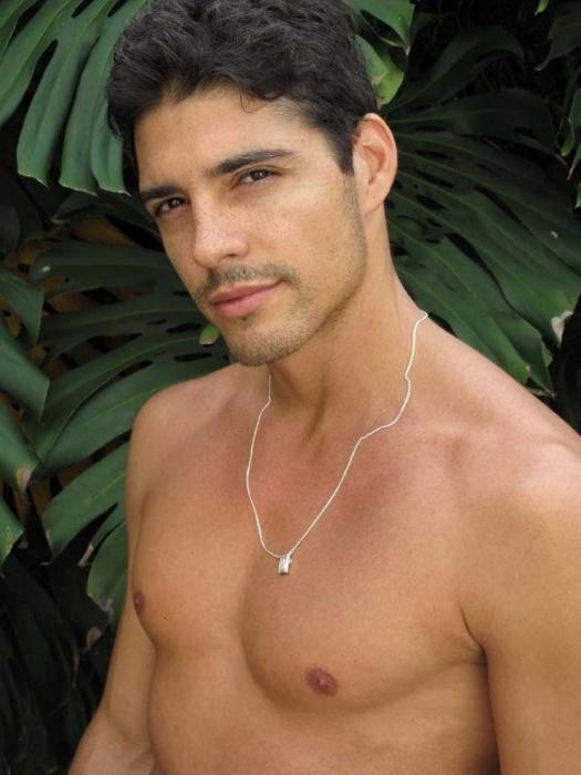 """10.set.2014 - O modelo Marlos Cruz é um dos supostos integrantes de """"A Fazenda 7"""""""