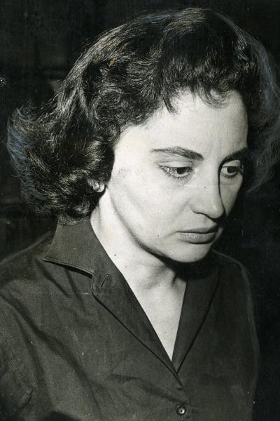"""1963 - A atriz Laura Cardoso interpreta o principal papel de """"O Profundo Mar Azul"""", no programa """"TV de Vanguarda"""" (Tupi)"""