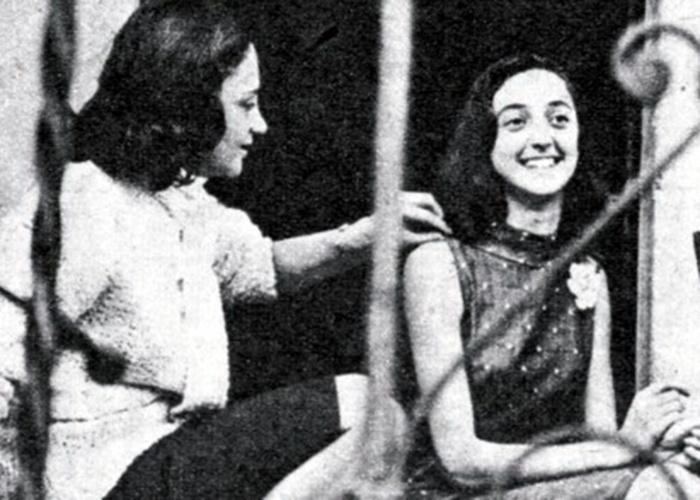 1970 - A imagem mostra Laura Cardoso com uma de suas filhas