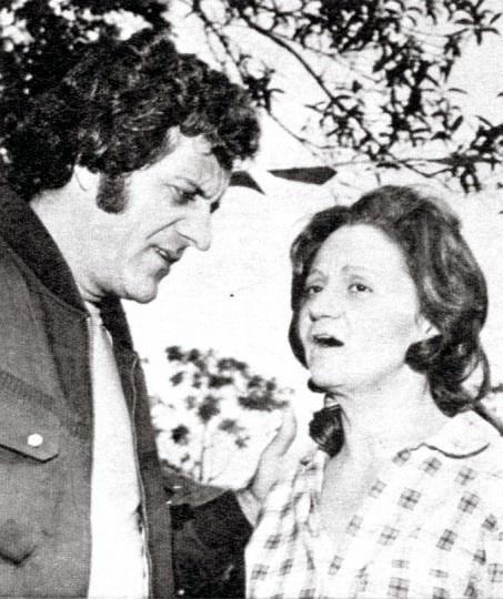 """1975 - Laura Cardoso atuou como Rolando Boldrin em """"Ovelha Negra"""", da TV Tupi. Na trama, a atriz viveu a valente e misteriosa Donana"""