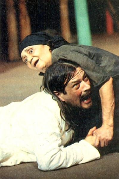 """1993 - Laura Cardoso atuou com Luis Mello na peça """"Vereda da Salvação"""", dirigida por Antunes Filho. O trabalho rendeu mais um prêmio Shell à atriz"""
