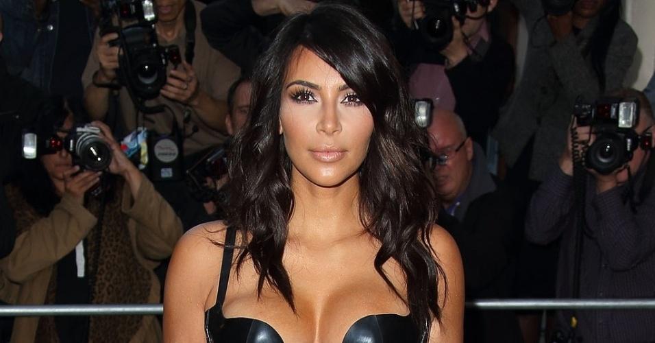 21.set.2014 - Kim Kardashian é a mais recente celebridade a ser vítima de hackers. De acordo com o site Pop Sugar, no sábado (20) imagens da beldade foram divulgadas nos mesmos sites que compartilharam momentos íntimos de Jennifer Lawrence e outras celebridades no final de agosto. No entanto, as fotos teriam sido apagadas