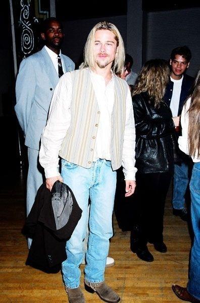 Década de 90: Brad Pitt e um colete de cowboy