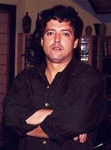 """10.ago.2006 - O ator Irving São Paulo, que obteve sucesso na TV nos anos 90 participando de novelas globais como """"Mulheres de Areia"""" e """"A Viagem"""", morreu aos 41 anos vítima de uma pancreatite"""