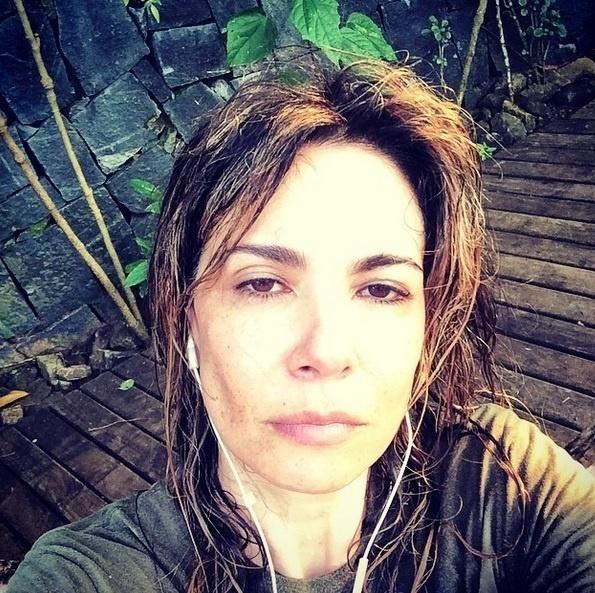 No Instagram, Luciana Gimenez também aproveita para postar fotos sem maquiagem. Nesta, ela tinha acabado de malhar