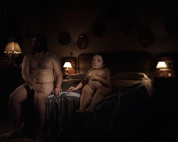 1.out.2014 - O fotógrafo Oliver Fermariello, da Itália, resolveu retratar pessoas portadoras de algum tipo de deficiência para mostrar que elas têm sexualidade, ainda que muitas vezes não sejam vistas como adultas. As pessoas aparecem em flagras íntimos com o objetivo de questionar as noções de beleza. O projeto se chama