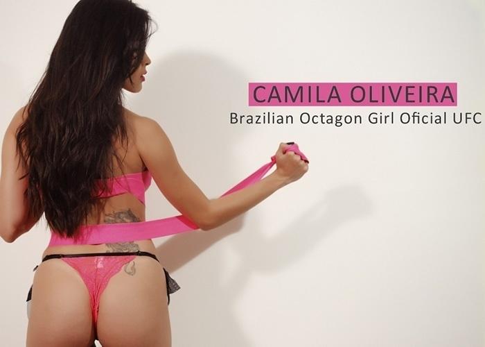 9.out.2014 - Camila Oliveira, ring girl do UFC, fez ensaio dedicado ao
