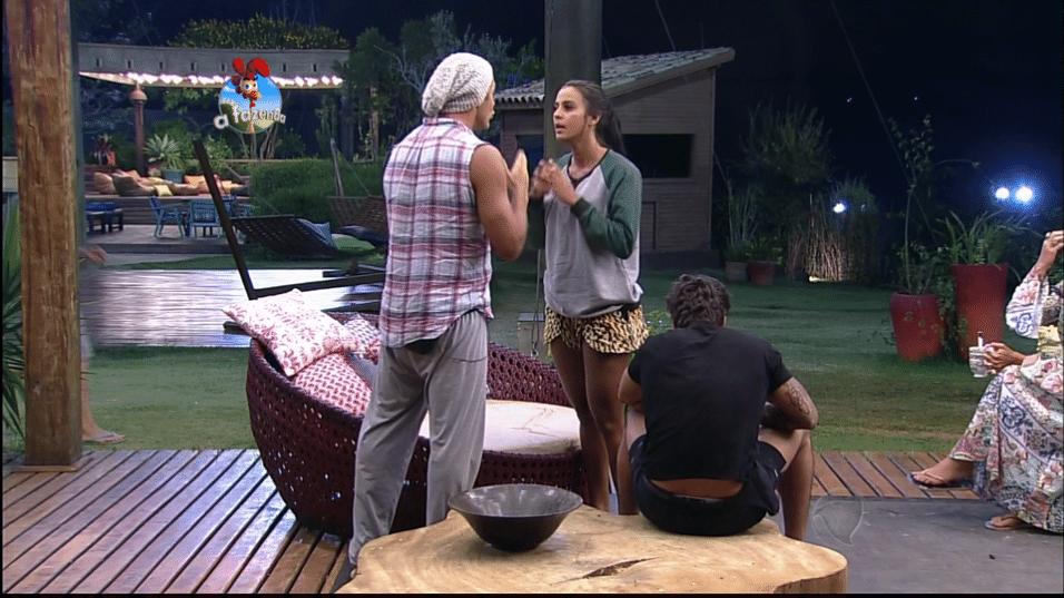 12.out.2014  Lorena e Marlos discutem