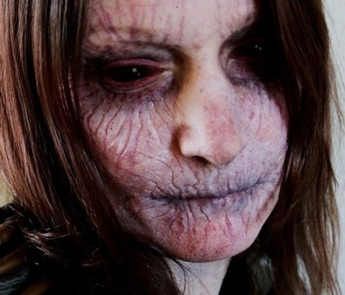 29.out.2014 - Maquiagem não serve apenas para embelezar. Em época de Halloween, pessoas usam a criatividade e produtos cosméticos para obter resultados assustadores