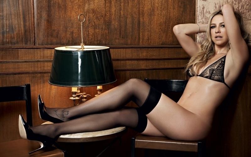7.nov.2014 - Luana Piovani em foto inédita do ensaio para a edição de outubro da revista VIP.