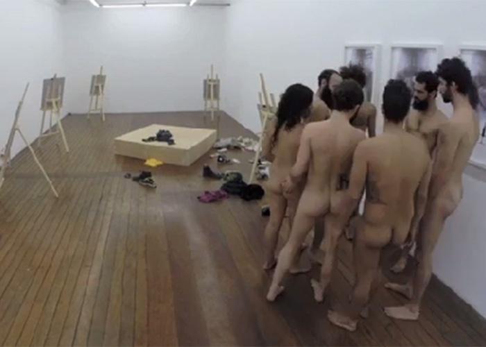 11.nov.2014 - Na imagem, atores ensaiam o espetáculo