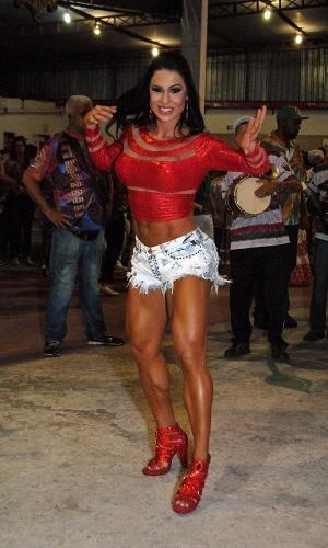 23.nov.2014 - Gracyanne Barbosa em ensaio da X9 Paulistana