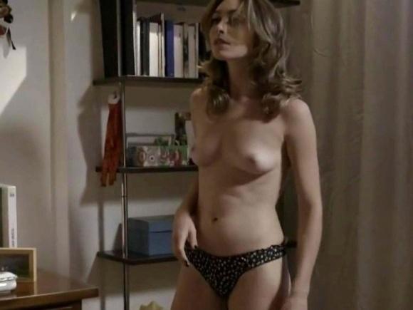 """14.dez.2014 - Cena de striptease na série """"O Negócio"""""""