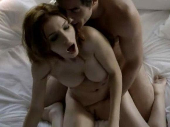 """14.dez.2014 - Cena quente na série """"O Negócio"""", na HBO"""