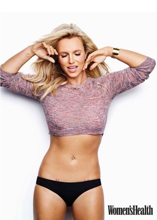 17.dez.2014 - A revista norte-americana Women's Health causou rebuliço nos Estados Unidos com a capa que traz Britney Spears magérrima e com o rosto um pouco diferente. As imagens alimentaram dois boatos: no primeiro, a publicação teria pesado a mão no Photoshop, o que justificaria a boa forma da cantora; no outro, suspeita-se que a estrela gringa tenha feito plástica no nariz