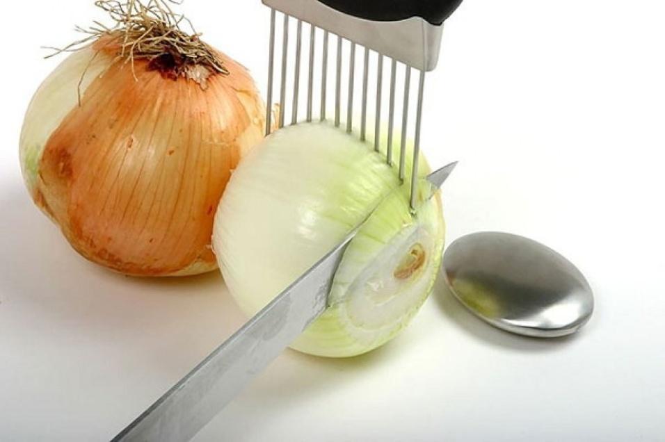 Apoiador para cortar cebolas em fatias