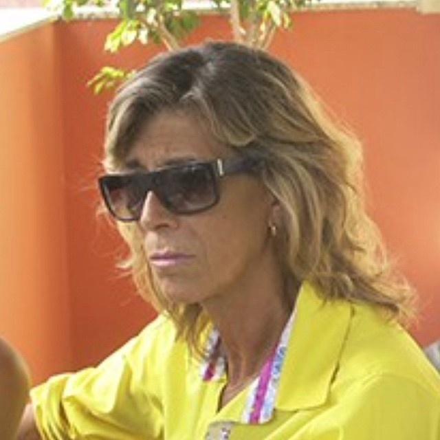 """24jan.2015 - Morreu neste sábado (24) Tânia Wilma Abrão, irmã do cantor Chorão. A notícia foi dada pela apresentadora Sônia Abrão, que era prima dos dois. """"Minha prima Tânia se foi... Vai ficar pra sempre ao lado do Chorão, o irmão tão amado! É dor demais para uma família!"""", escreveu ela. Anny Fernandes Abrão, que também é da família, contou no seu Instagram que Tânia sofreu um AVC e ficou em coma. """"Ela morreu apenas 1 ano e 9 meses depois do irmão. Tô tentando cair na real de que agora só ficou a foto"""", disse ela"""
