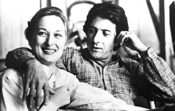 """Dustin Hoffman não curtiu o fato de Meryl Streep ter reescrito falas de sua personagem no filme """"Kramer vs. Kramer"""" (1979). """"Eu odiei a coragem dela. Sim, odiei a coragem dela, mas eu respeitei"""", disse ele, em entrevista. O ator, porém, admitiu que seu ânimo alterado ao processo de divórcio que estava passando durante as filmagens. """"Tenho certeza que estava descarregando nela algumas coisas que estava sentindo sobre a esposa de quem eu estava me separando"""", revelou"""