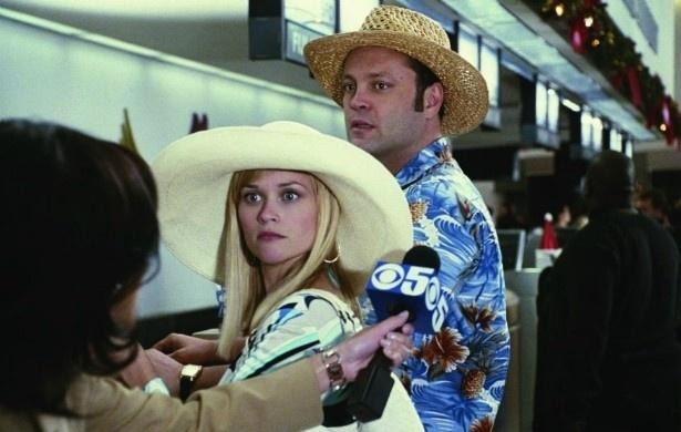 """Outro rumor que também circula Hollywood  é que Reese Whiterspoon não conseguiu olhar nos olhos de Vince Vaughn durante as gravações de """"Surpresas do Amor"""" (2008). Os dois têm personalidades muito diferentes: ela mais séria, ele é  engraçado. Witherspoon tratou de negar o tal rumor: """"Nós éramos bons amigos e bons parceiros enquanto estávamos gravando o filme"""", disse, em entrevista"""